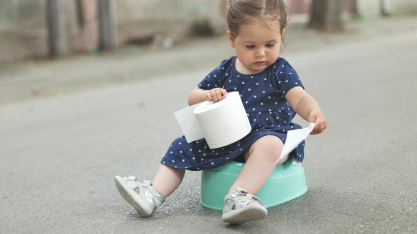 Mon enfant a les selles blanches : dois-je m'inquiéter ?
