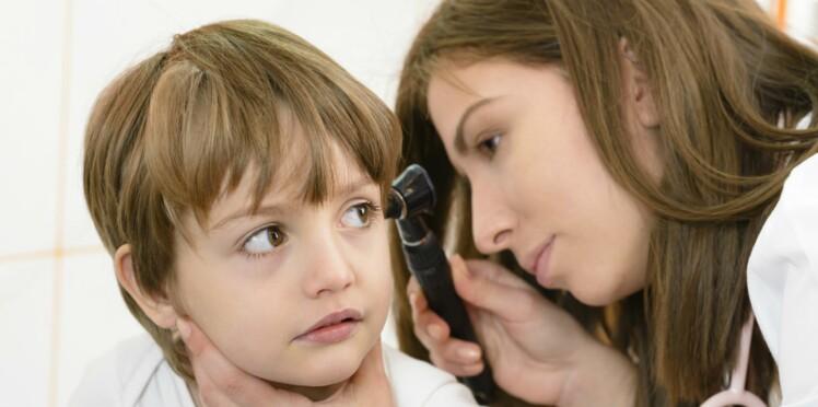 Otite séreuse : causes, symptômes et traitements