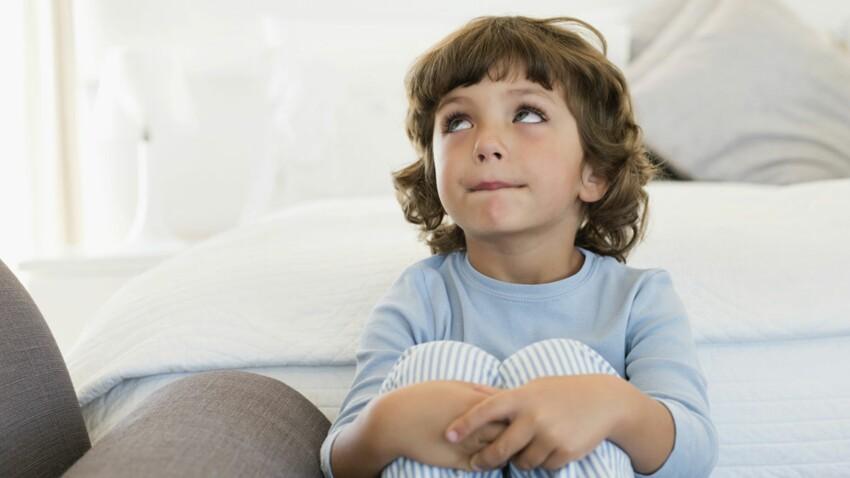 A 5 ans il fait encore pipi au lit, que faire ?