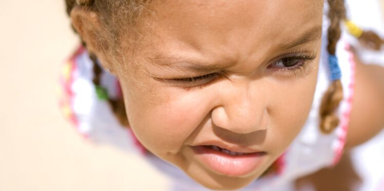 Tics nerveux : comment aider mon enfant à s'en débarrasser ?