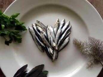 Le poisson et les pommes, des aliments à privilégier pendant la grossesse