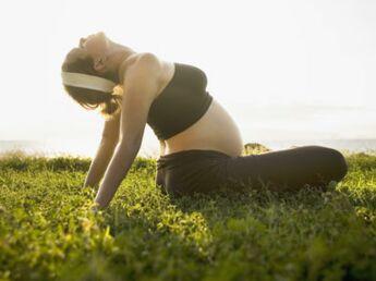 Femmes enceintes : bronzer, c'est permis