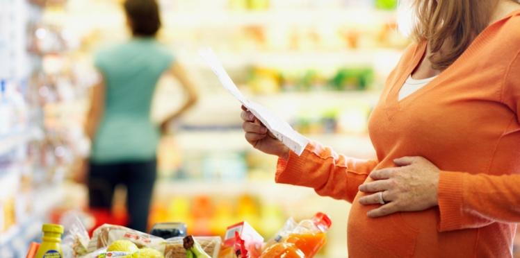 Grossesse : comment éviter les produits toxiques quand on est enceinte ?