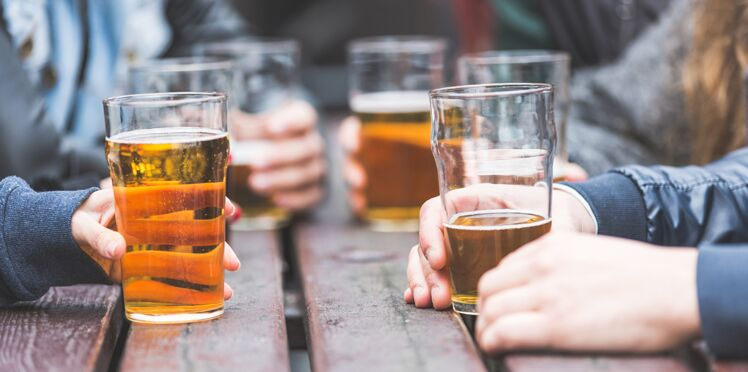 Ados : les consommations d'alcool et de tabac sont en baisse
