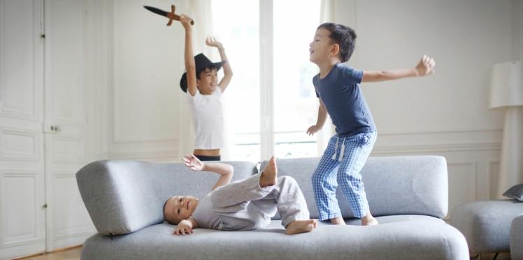 À partir de quel âge peut-on laisser un enfant seul à la maison ?