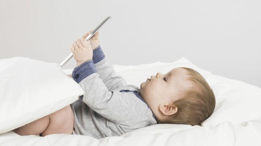 Bébé… et déjà connecté !