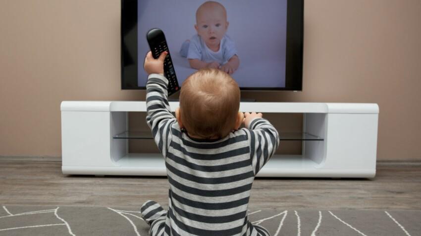 Davantage de problèmes de surpoids chez les bébés accros au écrans