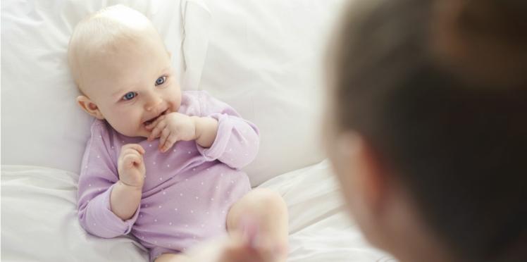 Comment influencer les premiers mots de bébé ?