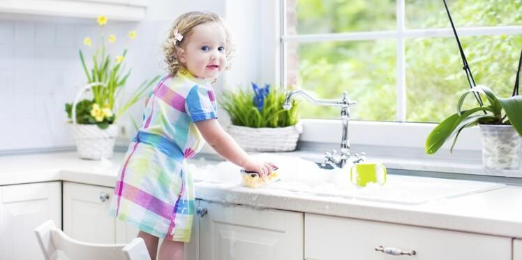 Avec les enfants, on évite le ménage à l'eau de javel