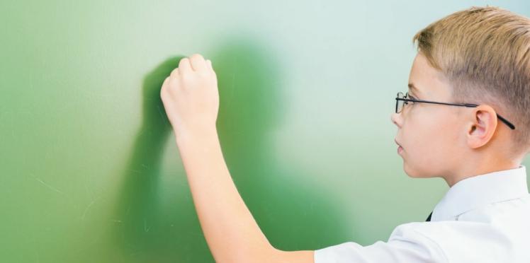 Votre enfant est gaucher ? Il pourrait bien devenir un génie des maths