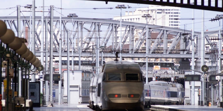 Voyager seul mais bien accompagné avec la SNCF