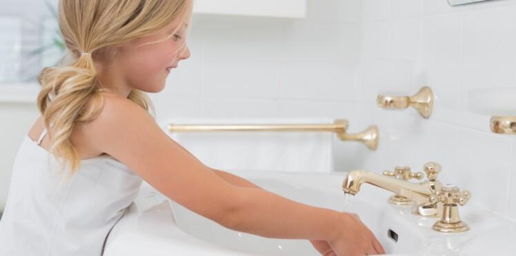 Une maîtresse a trouvé le meilleur moyen d'expliquer pourquoi il faut se laver les mains régulièrement…