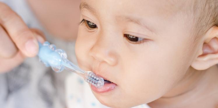 Le fluor est déconseillé aux enfants de moins de 6 mois