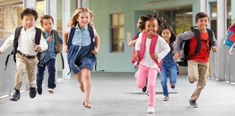 Les petites filles pensent être moins intelligentes que les garçons