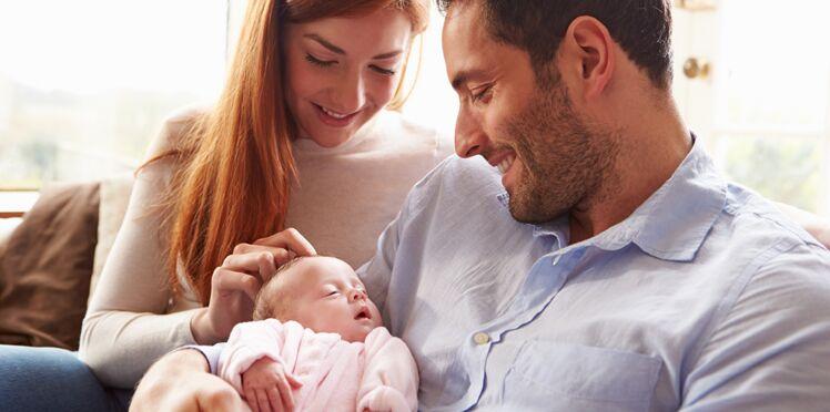 Licencié par SMS pour avoir assisté à la naissance de son bébé