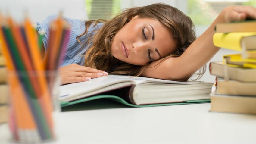Le manque de sommeil diminuerait le volume de matière grise des adolescents