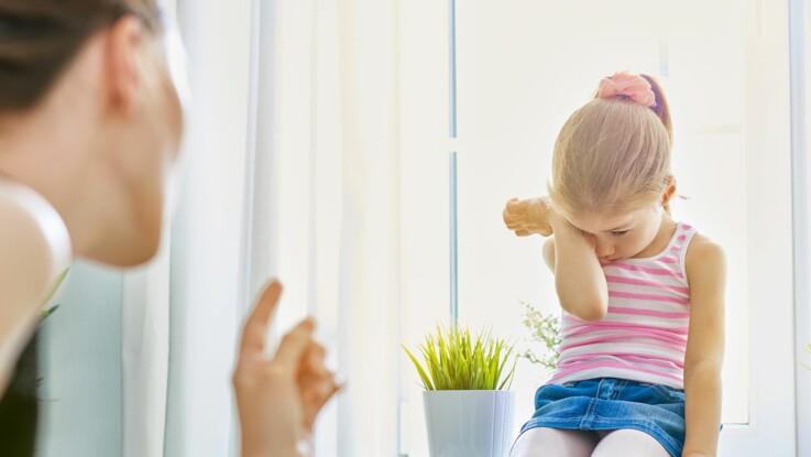 """Quels sont """"les mots qui font mal"""" aux enfants ? Une campagne sensibilise les parents"""