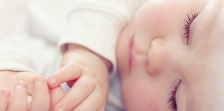 5,3 mois : l'âge moyen des bébés quand ils font leurs nuits