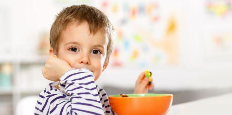 Obésité infantile : 2 petit-déjeuners valent mieux qu'un jeûne