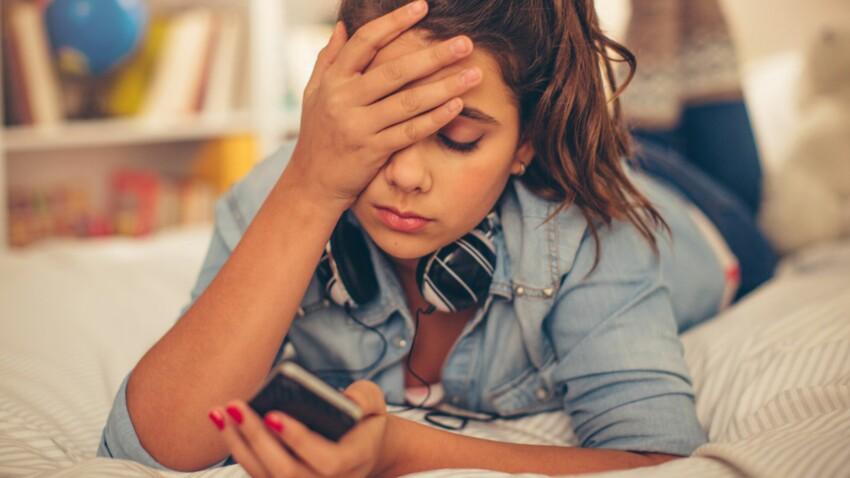 Parents d'ados : pourquoi il faudrait confisquer leur téléphone la nuit