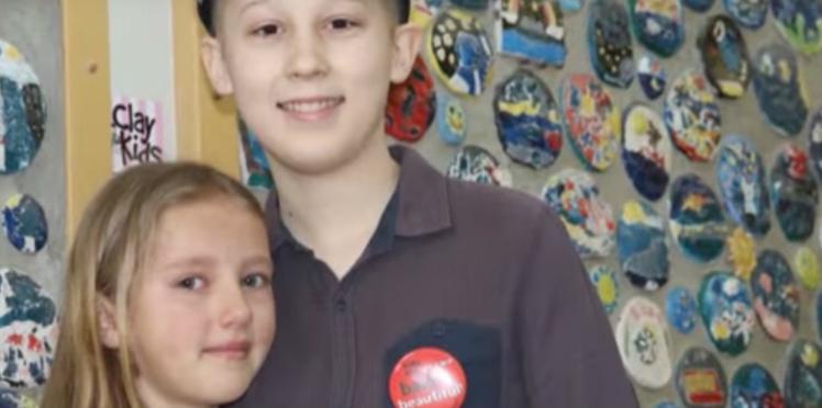 Une petite fille de 9 ans se rase la tête pour soutenir son frère malade