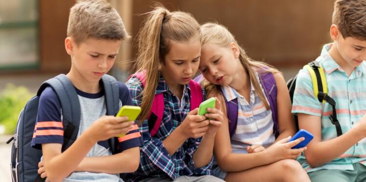 Dès la rentrée 2018, les écoliers n'auront plus le droit au téléphone