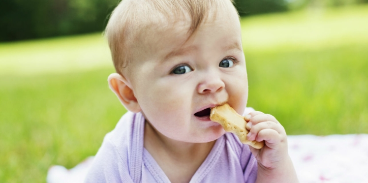 Une substance cancérogène détectée dans des biscuits pour bébé