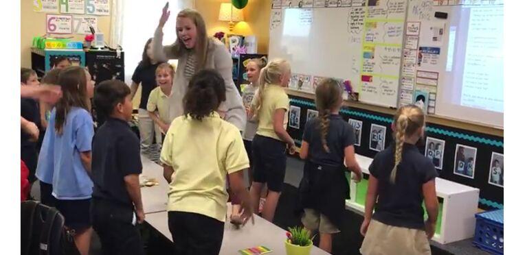 Une enseignante rappe avec ses élèves pour les motiver