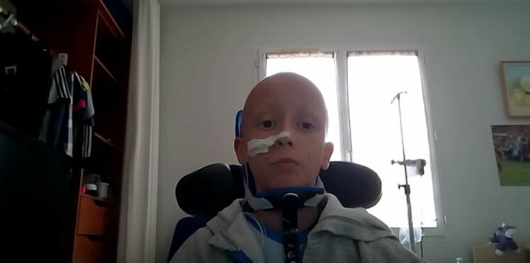 Un jeune garçon émeut la toile en parlant de son cancer sur Youtube