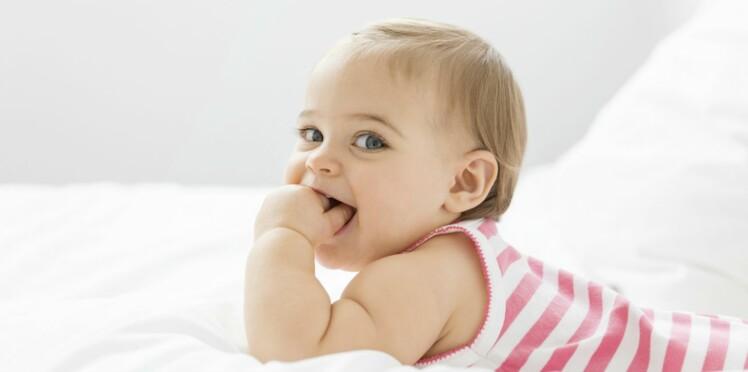 40 idées de prénoms courts pour une fille