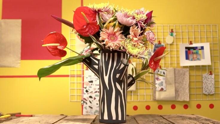 Vidéo : un élégant bouquet avec des chrysanthèmes
