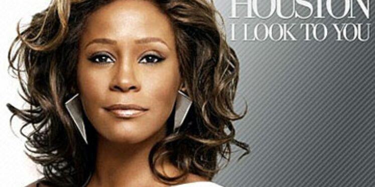 Whitney Houston échappe de justesse au strip-tease