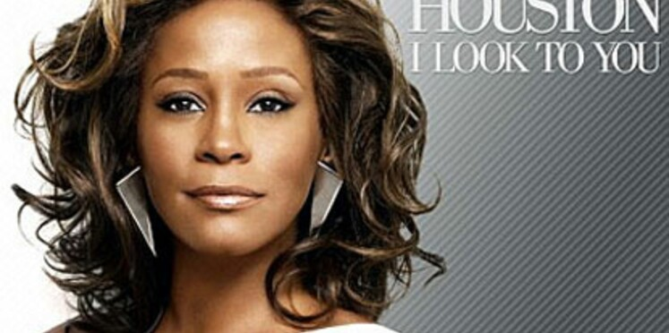 Whitney Houston échappe de justesse au strip-tease