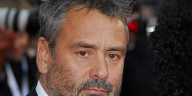 Luc Besson part en banlieue