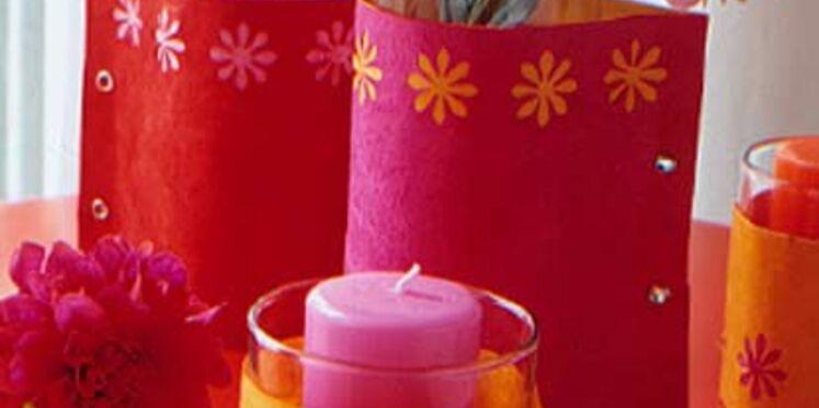 Des photophores  et des vases fleuris