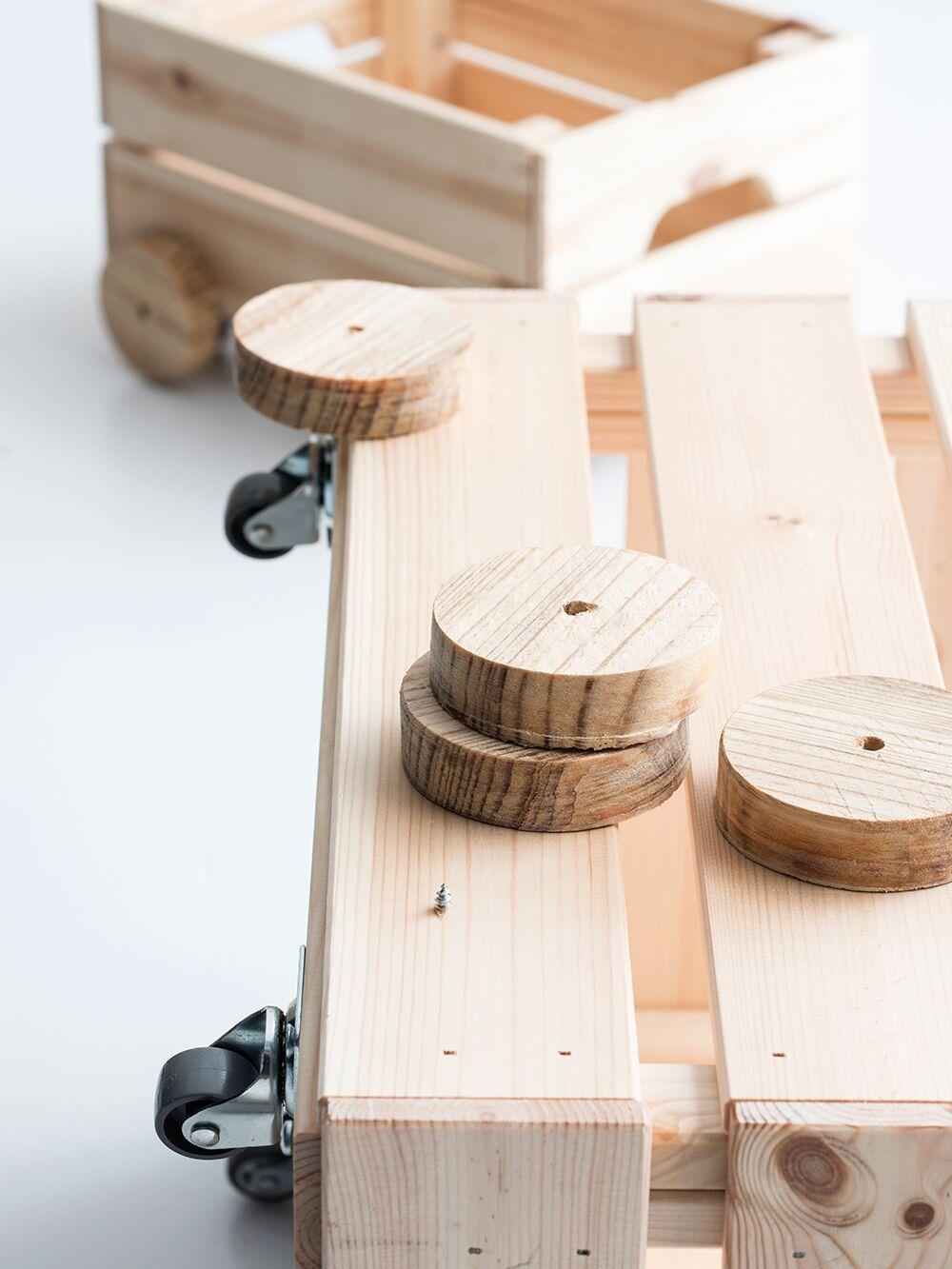 Caisse Bois À Roulettes diy : un chariot à jouets en bois par sophie ferjani : femme