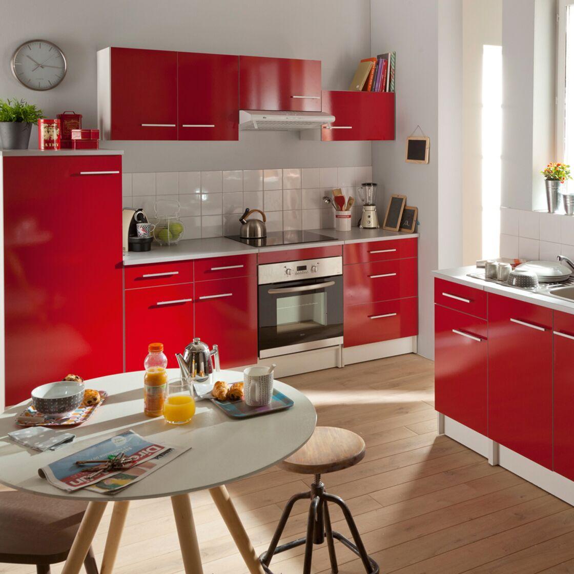 Avec Le Modèle Spoon Shiny Rouge, On Repense Sa Cuisine Dans Un Style  Moderne Et Contemporain.