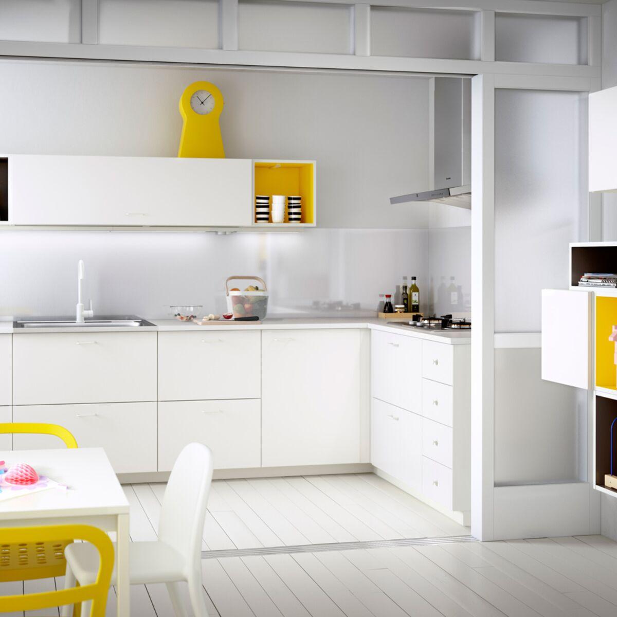 Prix Cuisine Aménagée Ikea astuces pour une cuisine aménagée à petit prix : femme