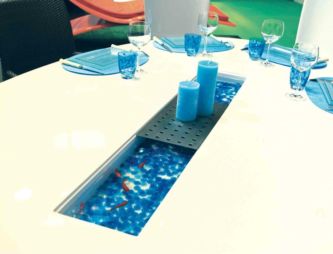 Tendance Une Table De Salle A Manger Avec Un Centre Amovible