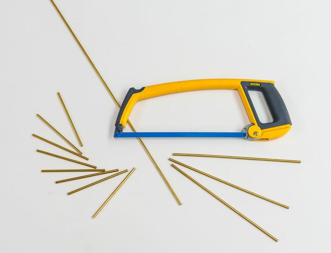 Comment Fabriquer Un Mobile En Bois diy : comment fabriquer un mobile graphique en tubes : femme