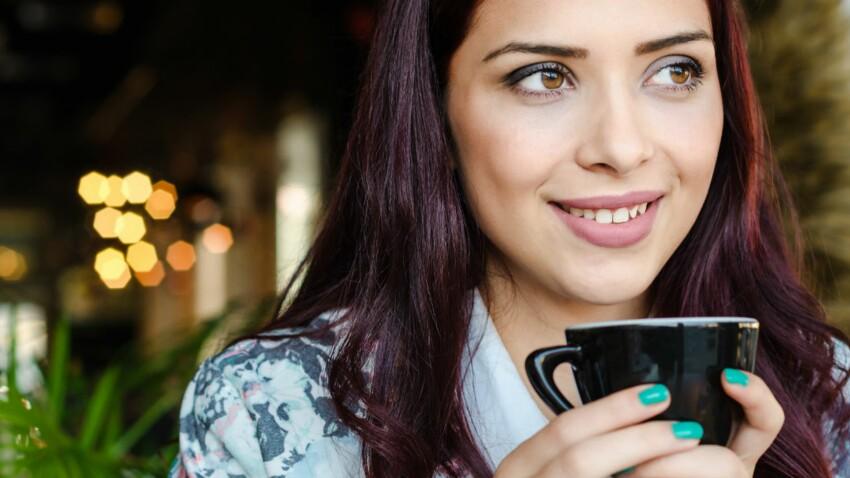 Charbon latte : la nouvelle boisson détox