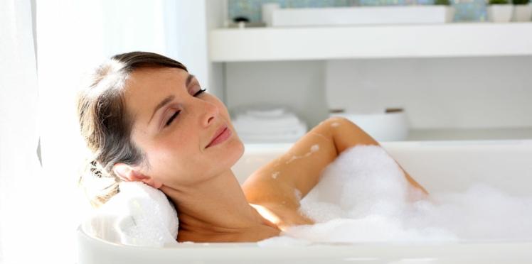 Un bain chaud, l'astuce insolite pour perdre du poids