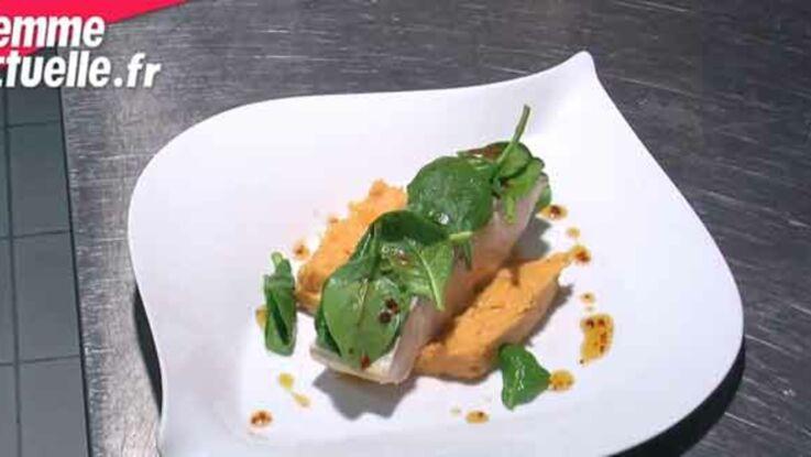 Pavé de saumon poché au lait d'agrumes, pulpe de patates douces au thé et pousses d'épinard
