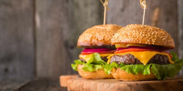 Hamburger, nuggets, frites... 12 recettes minceur inspirées du fast-food