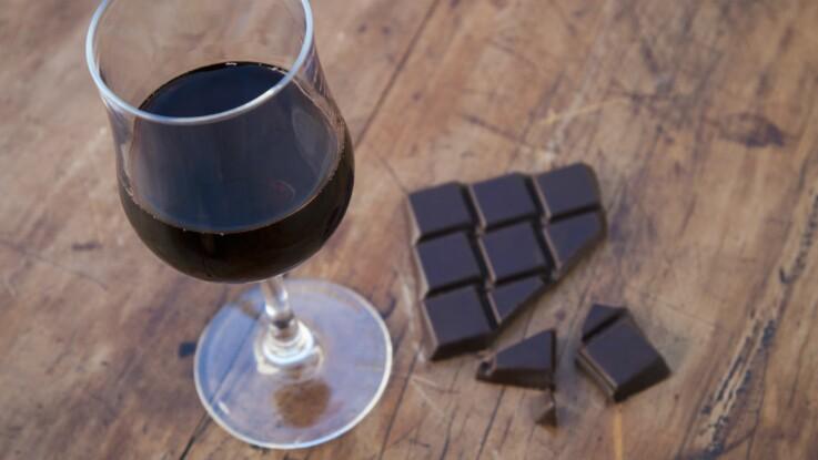 Vin rouge et chocolat : faut-il se laisser tenter par le régime Sirtfood Diet ?