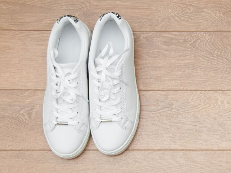 Baskets blanches : comment les porter ? : Femme Actuelle Le MAG