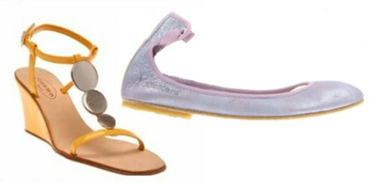 Eté 2008 : plates ou très compensées, les chaussures sont colorées