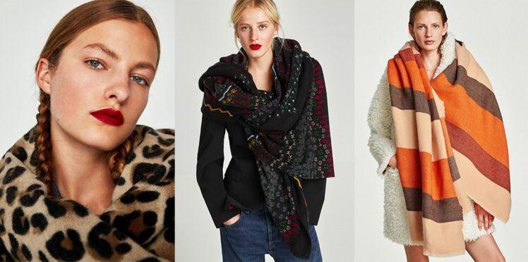 5 façons tendance de porter une écharpe plaid