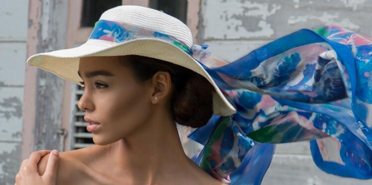 6 façons de nouer un foulard cet été   Femme Actuelle Le MAG 40d6dbc0789