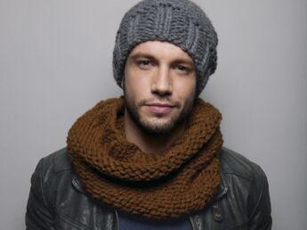 Un bonnet et un snood à tricoter pour monsieur